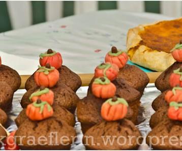 Schoko-Espresso-Muffins mit Marzipankürbis
